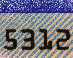 Микротекст на защитной наклейке