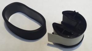Несколько слоев белой изоленты усилят прижим ролика к бумаге.